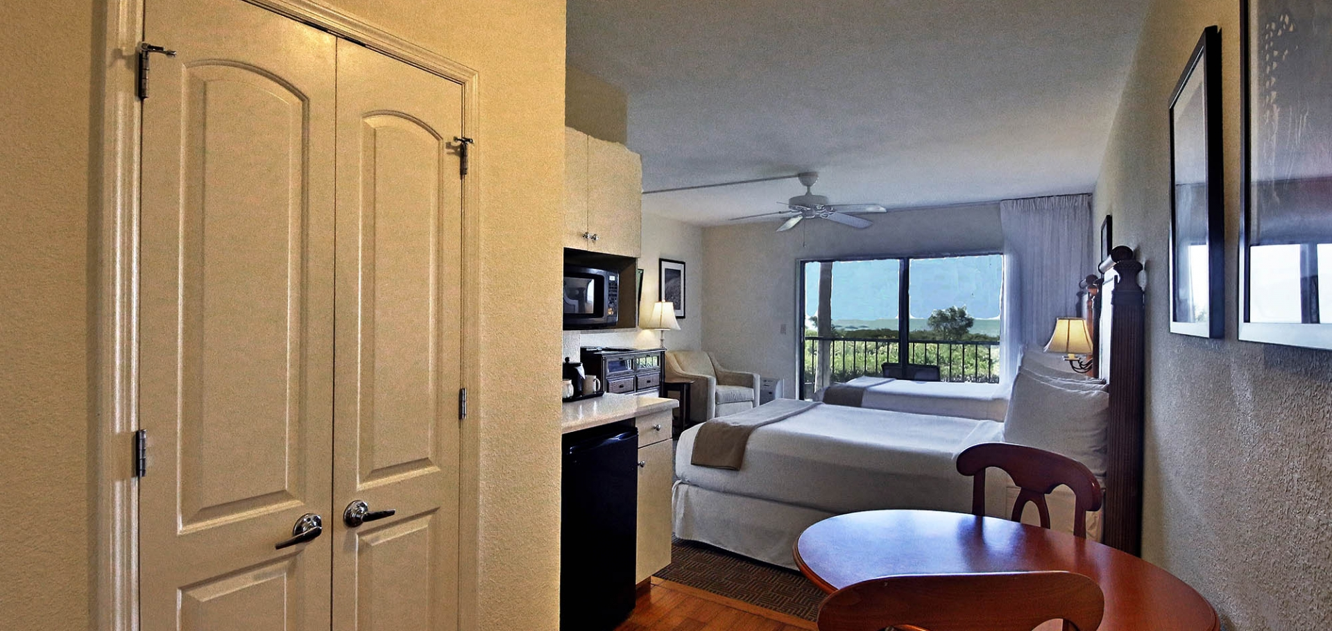 Sanibel Inn bedroom and balcony view