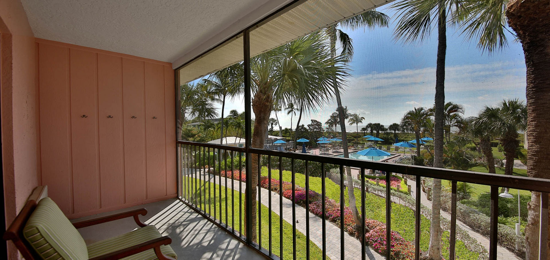 Sanibel Inn balcony views