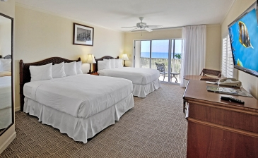 Sanibel Seaside Inn bedroom and balcony view