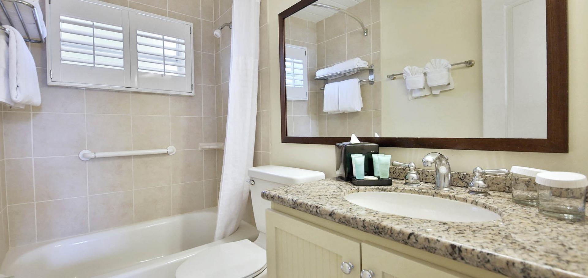 Sanibel Seaside Inn Bathroom