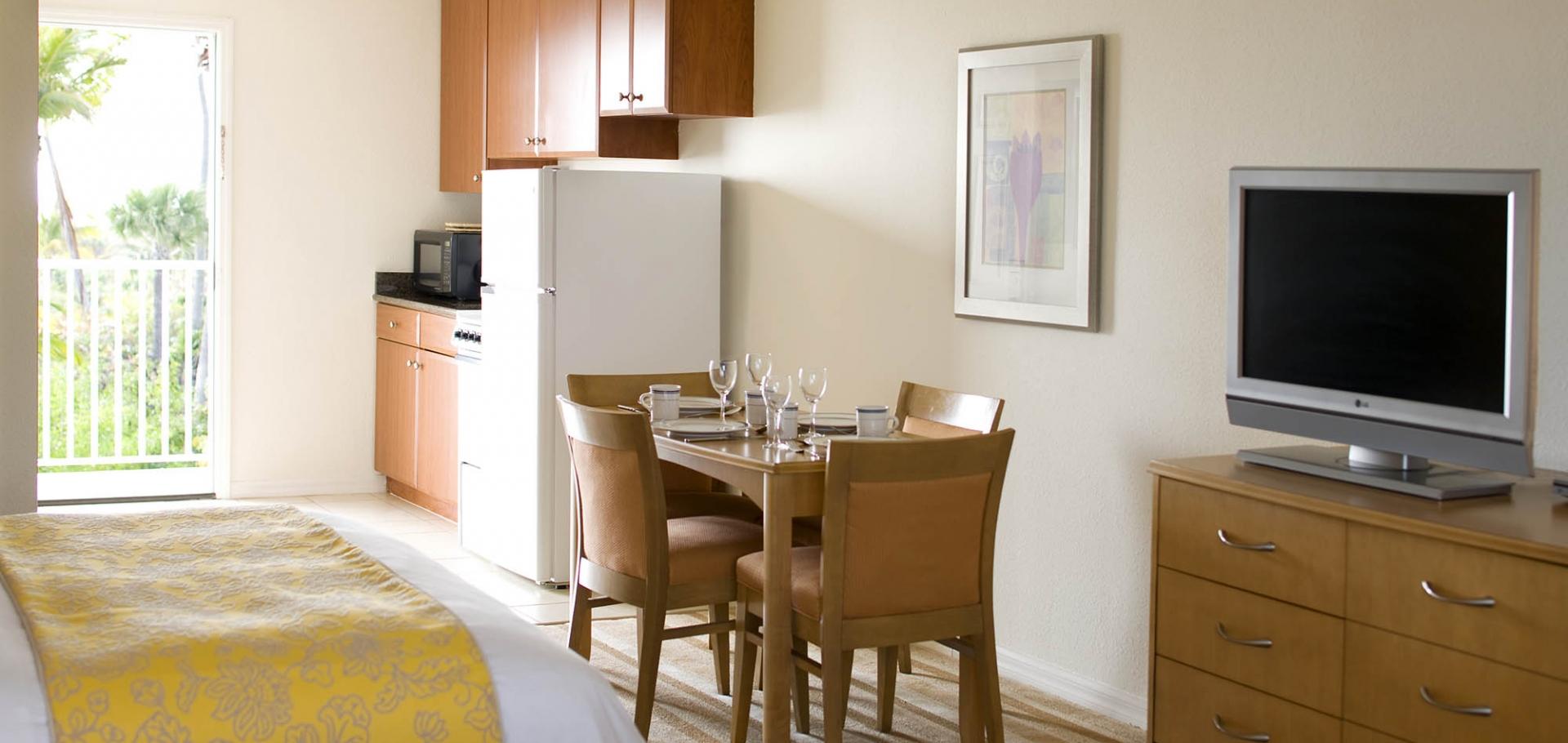 Sunset Beach Inn 1 bedroom suite kitchen